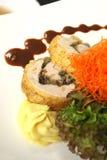 Anatra farcita con insalata fresca Fotografie Stock