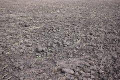 Anbaufähige landwirtschaftliche Industrie Ackerlandlandschaft, vor kurzem gepflogen und für Ernte, Landwirtschaft vorbereitet stockfotos