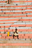 ANBETER AUF GANGA-FLUSS Stockbild