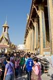 Anbetung des neuen Jahres in Thailand stockbild