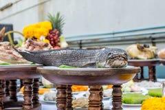Anbetung durch Lebensmittel für Chinesisches Neujahrsfest Stockfotografie