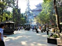 Anbetung, Tradition und Hingabe in China lizenzfreies stockfoto