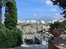 Anblick der alten Stadt von Ercolano zu den Füßen des Vesuvs Italien Lizenzfreie Stockfotos