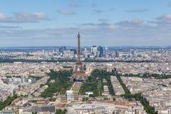 Anblick der Mitte von Paris mit Eiffelturm lizenzfreie stockbilder