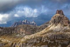 Anche le montagne nuvolose delle dolomia Fotografia Stock Libera da Diritti