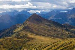 Anche le montagne nuvolose delle dolomia Fotografia Stock