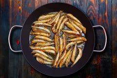 Anchois frits méditerranéens de fritos de Boquerones Photos stock