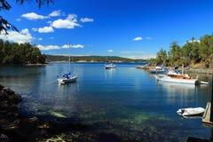 Anchorage et dock sur princesse Margaret Island, îles parc national, la Colombie-Britannique de Golfe images stock