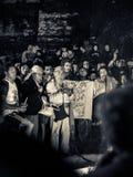 Anciano maya en muchedumbre Imágenes de archivo libres de regalías