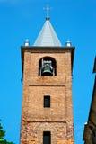 ancien在意大利欧洲老石头和响铃的塔 免版税库存照片