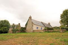 Ancien fisherman& x27 de Douarnenez ; maison de s sur le site de Plomarc& x27 ; h et x28 ; La Bretagne, Finistere, France& x29 ; Photo stock