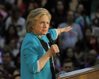 Ancien secrétaire Hillary Clinton Campaigns pour le président à l'université est Cinco de Mayo, 2016 de Los Angeles Images libres de droits