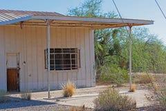 Ancienne station service qui est allée ancienne il y a longtemps photos libres de droits