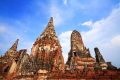 Ancient buddha statues and pagodas at Wat Chaiwattanaram Royalty Free Stock Photography
