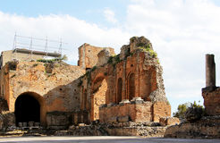 Ancient greek theater of taormina, the ruins Royalty Free Stock Photos