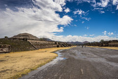 Ancient mexican pyramid 2. Pyramid of the sun at the left side and avenue of the dead in the center Royalty Free Stock Images