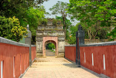 Ancient oriental path and gate Royalty Free Stock Photos