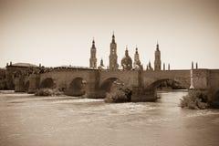 Ancient stone bridge over Ebro river in Zaragoza Royalty Free Stock Photos