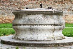 Ancient water well. Royalty Free Stock Photos