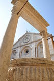 Ancient well and cathedral in Pienza Tuscany Stock Images