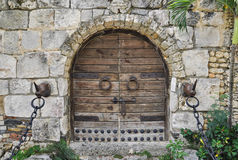 Ancient wooden gate Royalty Free Stock Photos