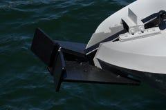 Ancla del acorazado con el fondo del mar Ancla del buque de guerra imágenes de archivo libres de regalías