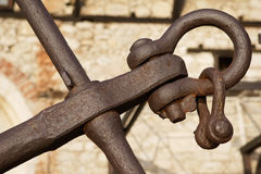Ancla oxidada vieja en Nessebar Foto de archivo libre de regalías