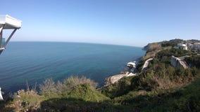 Ancona, Passetto, vista panormamic sopra la costa ed il mare adriatico archivi video