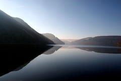 Ancora acque alla valle di slancio Immagine Stock