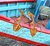 Ancora della barca sul fiume di Muaro in Padang, Sumatra ad ovest fotografia stock libera da diritti