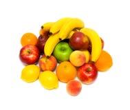 Ancora durata di frutta fresca su una priorità bassa bianca Fotografia Stock