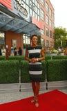 Ancora Robin Roberts della TV al tappeto rosso prima dell'US Open una cerimonia di 2013 serate di inaugurazione Fotografie Stock