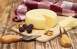 Ancora vita con formaggio Fotografie Stock