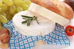 Ancora vita con il formaggio del camembert Immagine Stock Libera da Diritti
