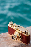 Ancora vita con la macchina fotografica dell'annata Fotografia Stock Libera da Diritti