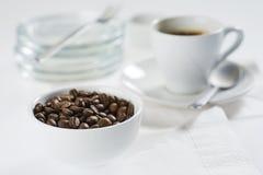 Ancora-vita con la tazza fuori da caffè Immagine Stock