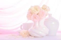 Ancora vita con le rose Immagini Stock Libere da Diritti