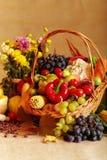 Ancora vita con le verdure e le frutta di autunno Fotografia Stock Libera da Diritti