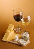 Ancora-vita del formaggio e del vino Fotografia Stock Libera da Diritti