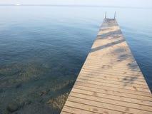 Ancoraggio alla polizia del lago in Italia Fotografie Stock Libere da Diritti