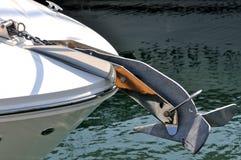 Ancoraggio dell'yacht Immagine Stock