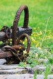 Ancore de rouille sur le plancher en bois image libre de droits