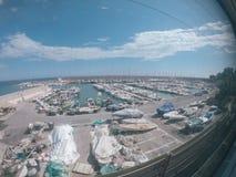 Ancori con gli yacht nel sud della Francia fotografia stock libera da diritti
