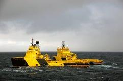 Ancori la manipolazione di semi submergible in Mare del Nord Fotografia Stock Libera da Diritti