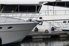 Ancre d'arc d'un yacht Image stock