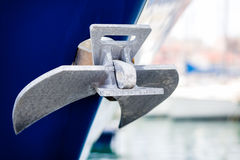 Ancre sur le yacht Photo stock