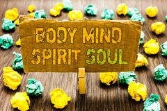 Anda för ande för mening för kropp för textteckenvisning För jämviktsterapi för begreppsmässigt foto personligt tillstånd för med royaltyfria foton