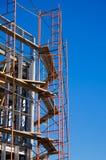 Andaime em torno da construção sob a construção PIC vertical Imagem de Stock Royalty Free