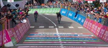 Andalo, Italië 24 Mei, 2016; Alejandro Valverde wint zijn eerste stadium in carrière in de Reis van Italië Stock Foto's
