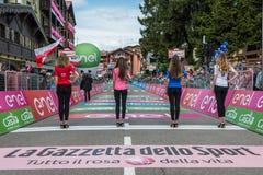 Andalo, Italië 24 Mei, 2016; Parade van de Misser met jerseys van de Reis van Italië in 2016 Royalty-vrije Stock Afbeelding